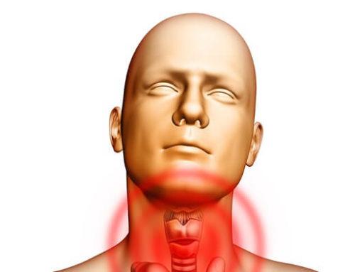Болит горло и отдает в ухо: причины патологии и способы ее устранения
