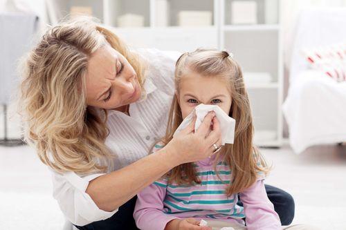Заложенность носа у ребенка - лечение, причины, капли