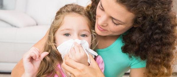 Насморк с кровью у детей - лечение