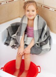Можно ли парить ноги ребенку