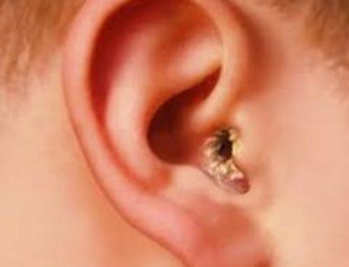 Корки в ушах у человека – фото, причины, что делать, как лечить