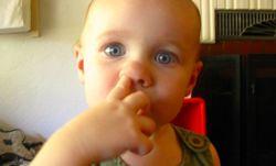 Козявки в носу: откуда берутся, как от них избавиться